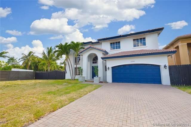 14788 SW 158th Path, Miami, FL 33196 (MLS #A11080229) :: The Rose Harris Group