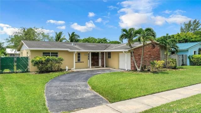 10370 SW 198th St, Cutler Bay, FL 33157 (MLS #A11080546) :: Rivas Vargas Group
