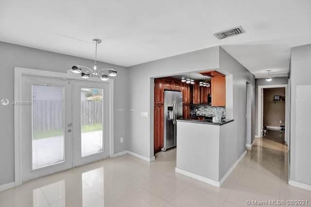 5701 SW 117th Ave, Miami, FL 33183 (MLS #A11080985) :: Castelli Real Estate Services