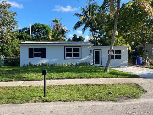 1212 NW 11th Pl, Fort Lauderdale, FL 33311 (MLS #A11081025) :: The Teri Arbogast Team at Keller Williams Partners SW