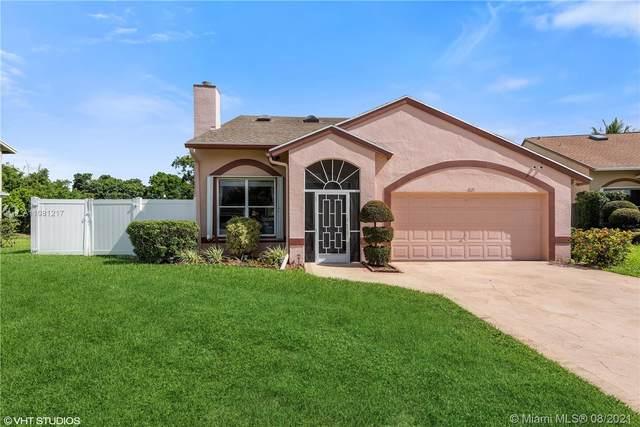 1021 NW 5th Ave, Boynton Beach, FL 33426 (MLS #A11081217) :: The Rose Harris Group