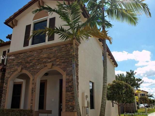 3204 SE 5th St, Homestead, FL 33033 (MLS #A11082801) :: Castelli Real Estate Services