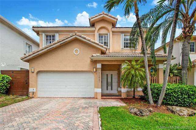 11061 NW 72nd Ter, Doral, FL 33178 (MLS #A11083362) :: CENTURY 21 World Connection