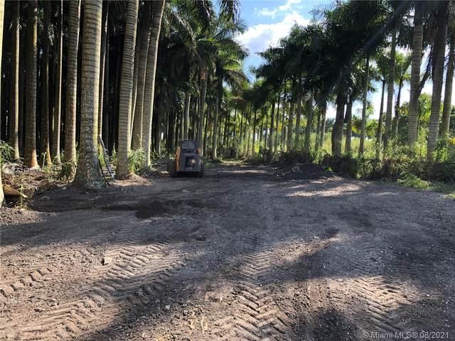 Miami, FL 33187 :: Douglas Elliman