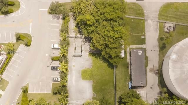 160 Sw Ave, Weston, FL 33326 (MLS #A11083881) :: The MPH Team