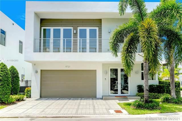 9721 NW 74th Ter, Doral, FL 33178 (MLS #A11084263) :: Berkshire Hathaway HomeServices EWM Realty