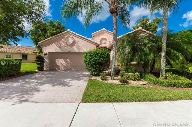 6603 Pavone St, Lake Worth, FL 33467 (MLS #A11084398) :: The Pearl Realty Group