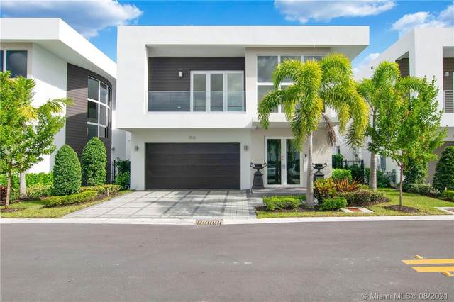 7515 NW 97th Ct, Doral, FL 33178 (MLS #A11084451) :: The Pearl Realty Group