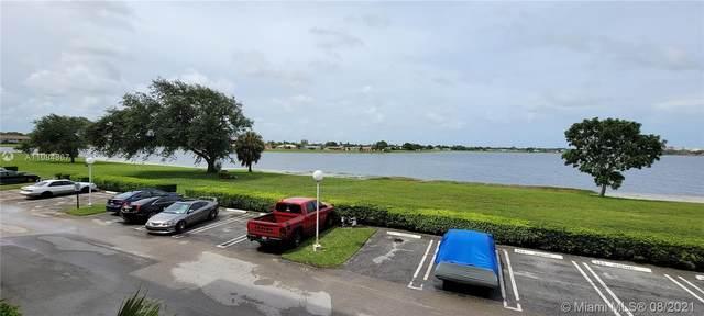 480 Executive Center Dr 2D, West Palm Beach, FL 33401 (MLS #A11084867) :: The Rose Harris Group