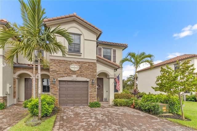 5017 Kobus Ter #5017, Davie, FL 33314 (MLS #A11085601) :: Berkshire Hathaway HomeServices EWM Realty