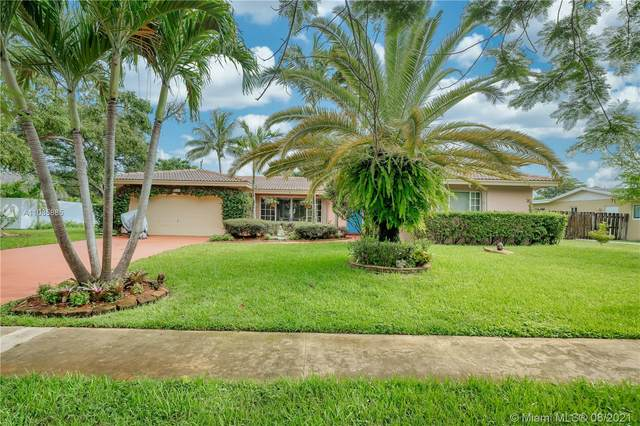 5681 SW 5th St, Plantation, FL 33317 (MLS #A11085885) :: The Rose Harris Group