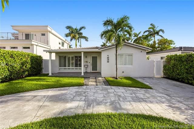 1239 Washington St, Hollywood, FL 33019 (MLS #A11086178) :: KBiscayne Realty