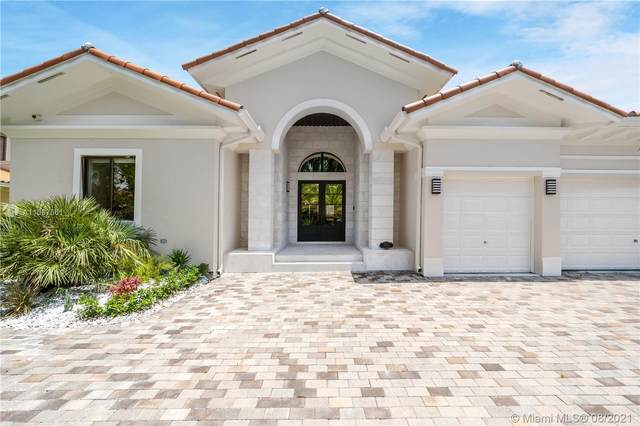 7925 SW 193rd St, Cutler Bay, FL 33157 (MLS #A11087561) :: Onepath Realty - The Luis Andrew Group
