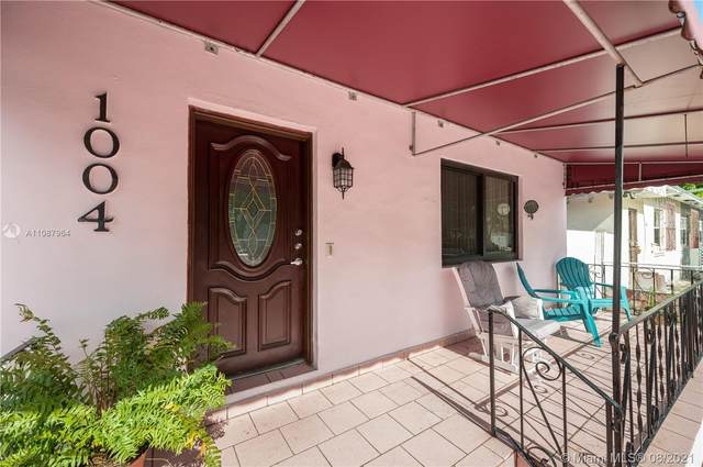 1004 SW 9th Ct, Miami, FL 33130 (MLS #A11087964) :: The Rose Harris Group