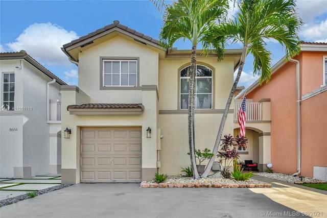 8667 SW 159th Pl, Miami, FL 33193 (MLS #A11088119) :: Douglas Elliman