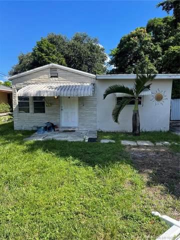 5733 Pierce St, Hollywood, FL 33021 (MLS #A11088266) :: Green Realty Properties