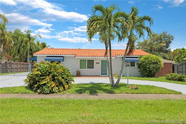 11101 N Snapper Creek Dr, Miami, FL 33173 (MLS #A11088364) :: The Rose Harris Group