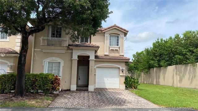 7390 NW 111th Ct, Doral, FL 33178 (MLS #A11088374) :: Rivas Vargas Group