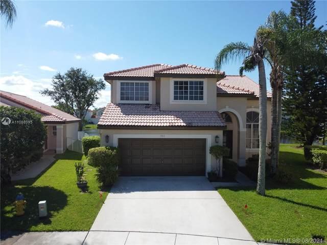 551 SW 181st Ave, Pembroke Pines, FL 33029 (MLS #A11088393) :: Re/Max PowerPro Realty