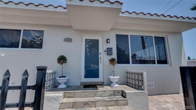 8225 Hawthorne Ave, Miami Beach, FL 33141 (MLS #A11088555) :: KBiscayne Realty