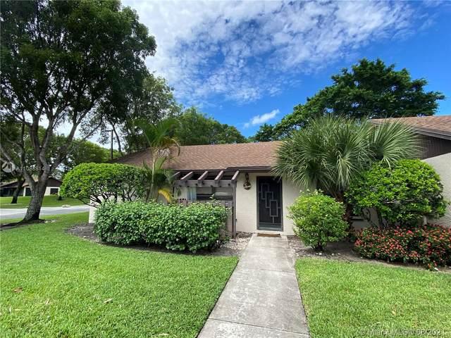 61 Via De Casas Norte, Boynton Beach, FL 33426 (MLS #A11088814) :: The Rose Harris Group
