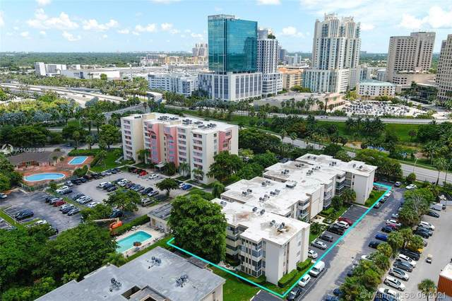 9159 SW 77th Ave #408, Miami, FL 33156 (MLS #A11088887) :: Onepath Realty - The Luis Andrew Group