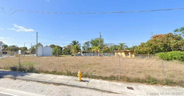 18234 Homestead Ave, Miami, FL 33157 (MLS #A11088902) :: Green Realty Properties