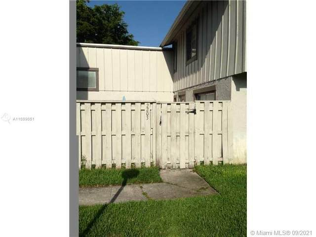 2203 NW 59th Way 65-B, Lauderhill, FL 33313 (MLS #A11089051) :: Castelli Real Estate Services