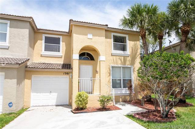 1301 NW 154th Ave, Pembroke Pines, FL 33028 (MLS #A11089548) :: The Rose Harris Group