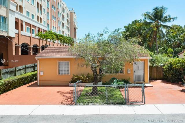 3220 SW 22nd Ter, Miami, FL 33145 (MLS #A11089552) :: The Rose Harris Group