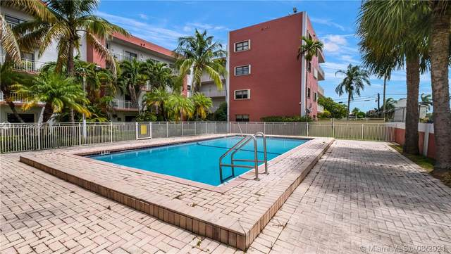 8425 NW 8th St #308, Miami, FL 33126 (MLS #A11089622) :: The Pearl Realty Group