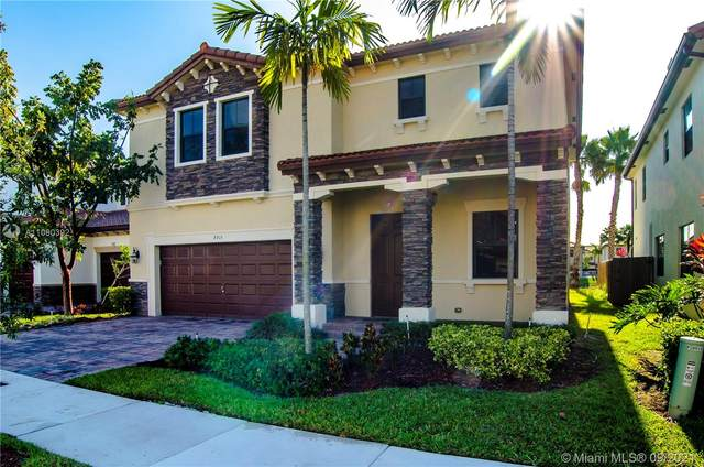 8915 NW 99th Ave, Doral, FL 33178 (MLS #A11090392) :: CENTURY 21 World Connection