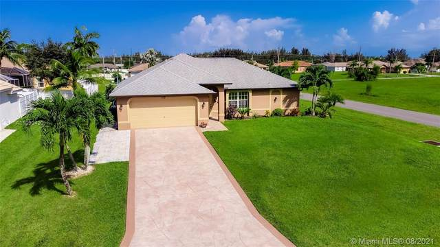 313 SW 26 Ave, Cape Coral, FL 33991 (MLS #A11090420) :: CENTURY 21 World Connection