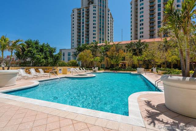 8941 SW 73rd Pl Th115s, Miami, FL 33156 (MLS #A11090742) :: Castelli Real Estate Services