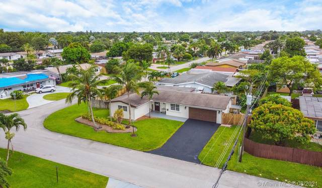 1600 NW 83rd Way, Pembroke Pines, FL 33024 (MLS #A11090867) :: CENTURY 21 World Connection