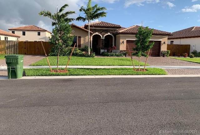 2484 SE 2nd St, Homestead, FL 33033 (MLS #A11091118) :: CENTURY 21 World Connection