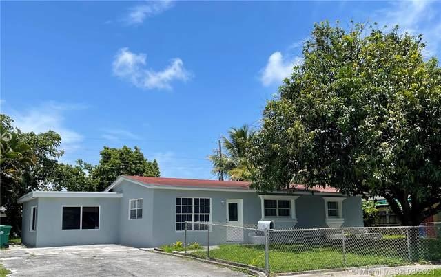 1231 NE 211th St, Miami, FL 33179 (MLS #A11091382) :: CENTURY 21 World Connection