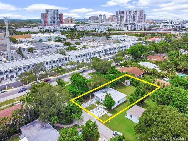 7902 SW 68th Ave, South Miami, FL 33143 (MLS #A11091406) :: CENTURY 21 World Connection