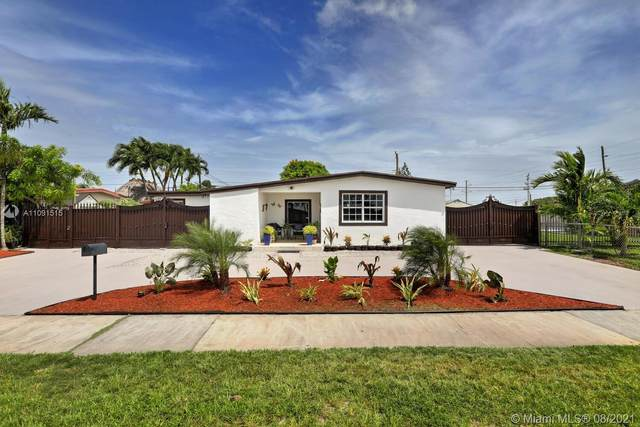 10711 SW 55th St, Miami, FL 33165 (MLS #A11091515) :: CENTURY 21 World Connection