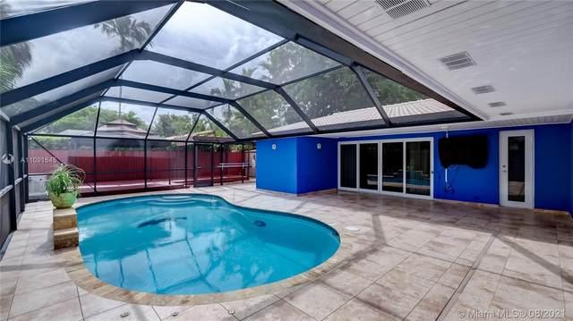 14121 Cypress Ct, Miami Lakes, FL 33014 (MLS #A11091645) :: All Florida Home Team