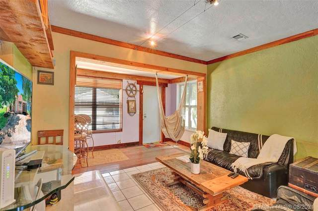2518 Arthur St, Hollywood, FL 33020 (MLS #A11091742) :: KBiscayne Realty