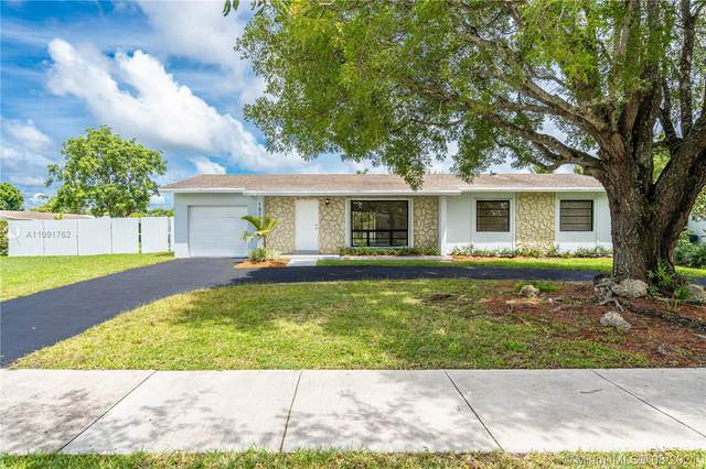 18101 SW 92nd Ave, Palmetto Bay, FL 33157 (MLS #A11091762) :: Douglas Elliman