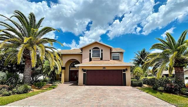 5840 SW 57th Way, Davie, FL 33314 (MLS #A11091991) :: Douglas Elliman