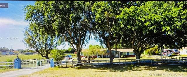 1901 SW 112th Ave, Davie, FL 33325 (MLS #A11092008) :: GK Realty Group LLC
