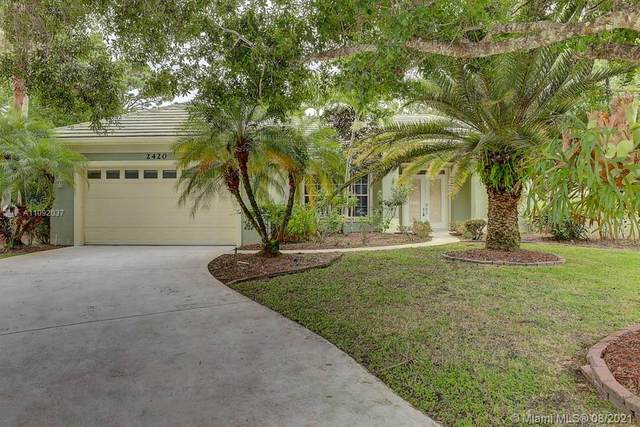 2420 SW Carriage Place, Palm City, FL 34990 (MLS #A11092037) :: Douglas Elliman