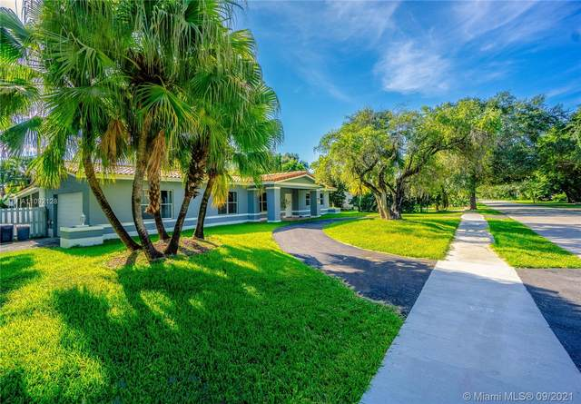 9801 SW 73rd Ct, Pinecrest, FL 33156 (MLS #A11092128) :: Equity Realty