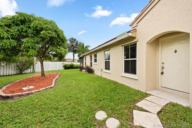 1900 NW 190th Ave, Pembroke Pines, FL 33029 (MLS #A11092358) :: Onepath Realty - The Luis Andrew Group
