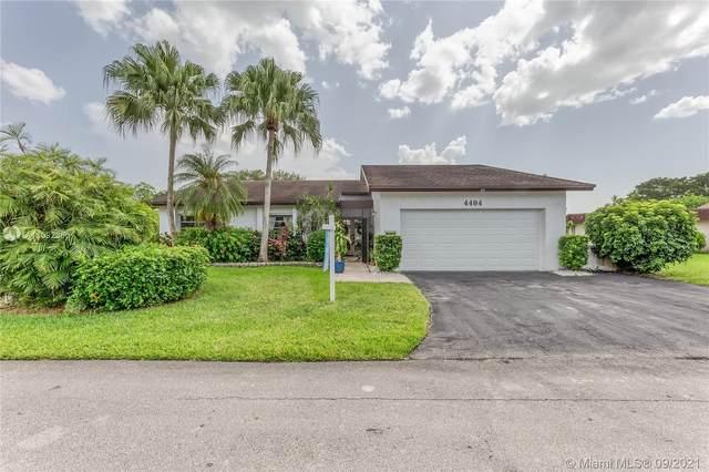 4404 King Palm Dr, Tamarac, FL 33319 (MLS #A11092360) :: Jo-Ann Forster Team