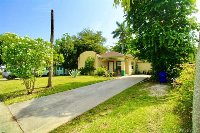 1660 SW 29th Ave, Fort Lauderdale, FL 33312 (MLS #A11092926) :: The Rose Harris Group