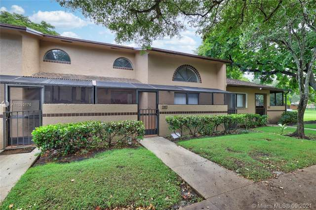 2305 NW 36th Ave, Coconut Creek, FL 33066 (MLS #A11093176) :: The MPH Team